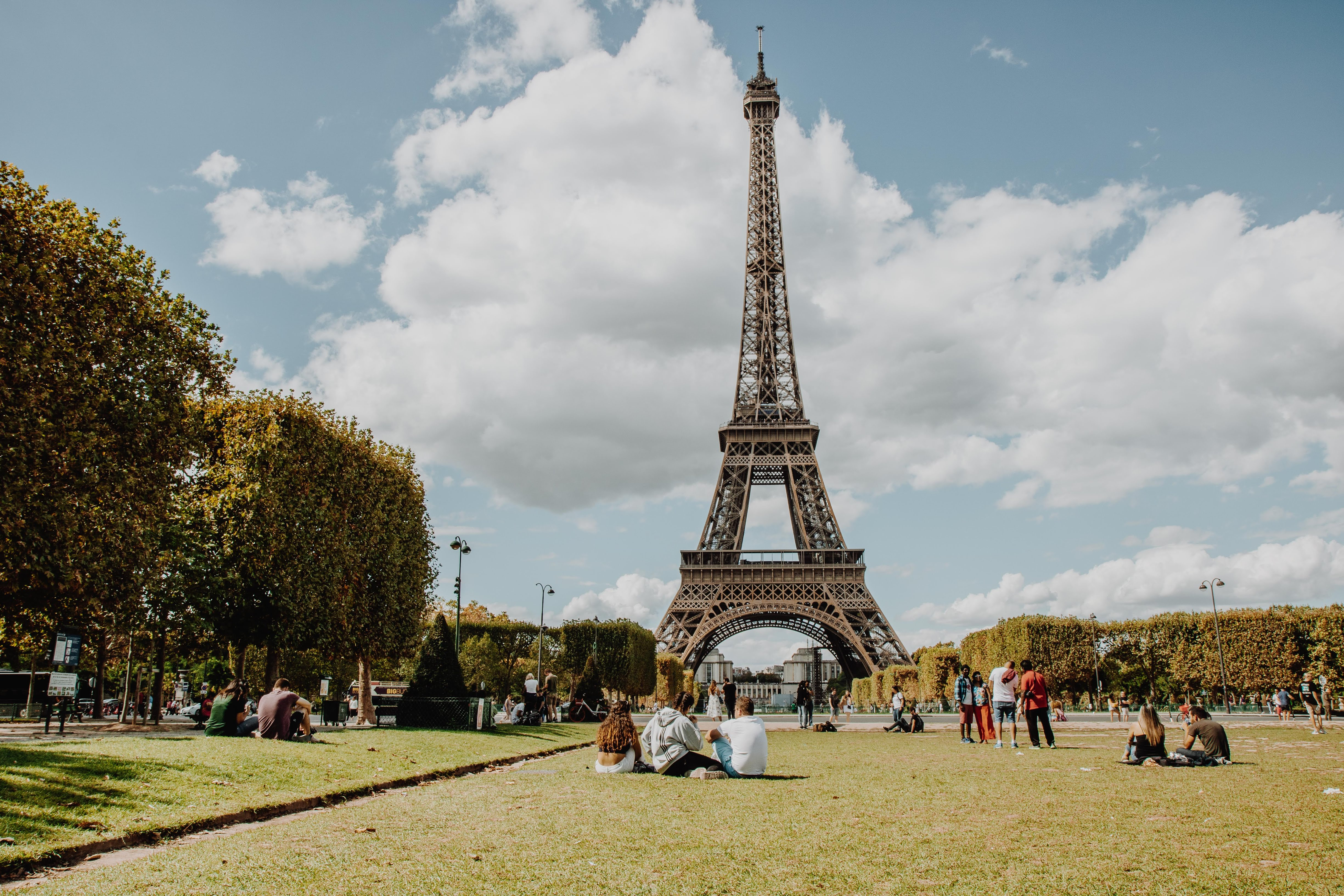 HOW TO BE A PRO IN PARIS